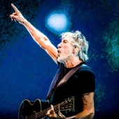 Roger Waters - Us + Them Tour