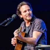 Eddie Vedder - Tour 2019 with Glen Hansard