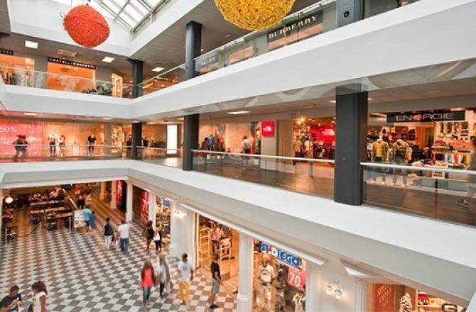 FoxTown Outlet | BusForFun Bus per Shopping | Busforfun